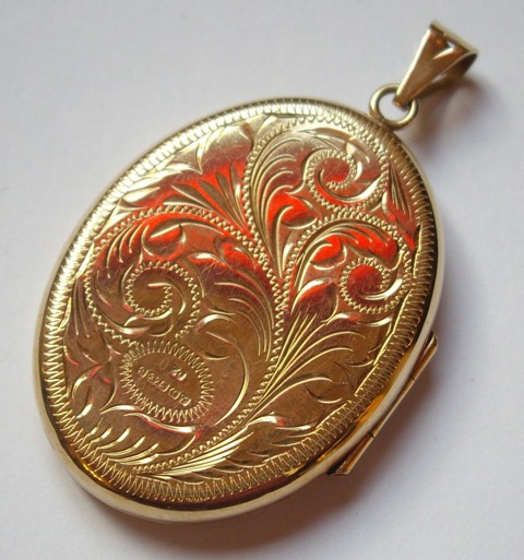 filled gold edwardian necklace large boylerpf initial engraved locket lockets c locekt products edwardain